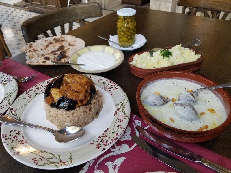 アンマンの中東料理のレストラン「Sufra(スフラ」。