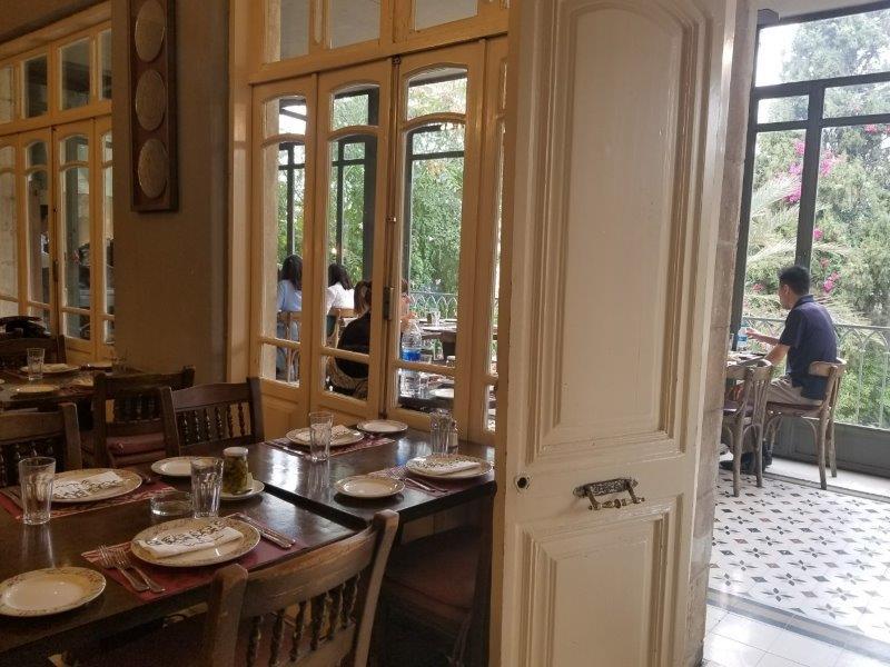 アンマンのアラブ料理のレストラン「Sufra(スフラ」。