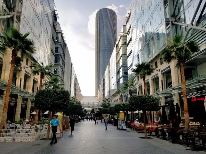 ヨルダンの首都アンマンのショッピング街「The Boulevard」