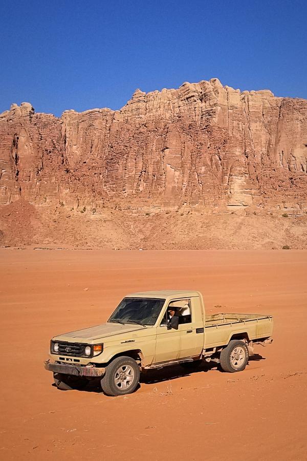 ヨルダン旅行・ワディ・ラムの砂漠ツアー