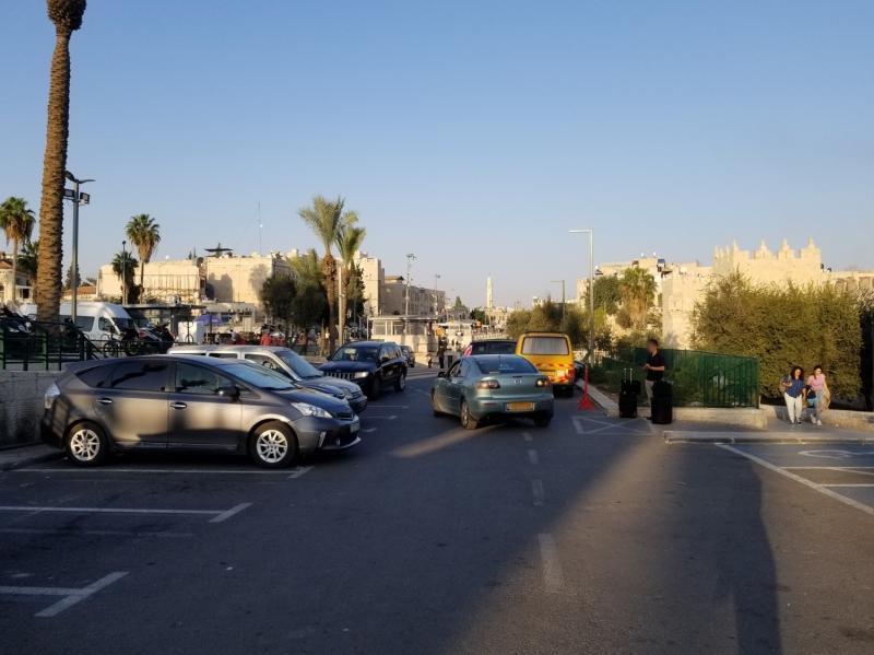 イスラエル旅行・エルサレムのダマスカス門の駐車場