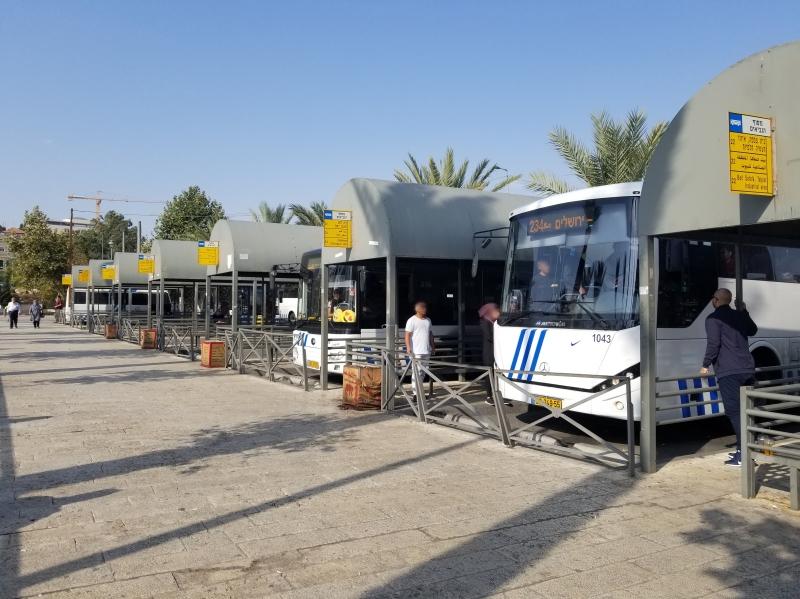 イスラエル旅行・エルサレムのダマスカス門のバスターミナル