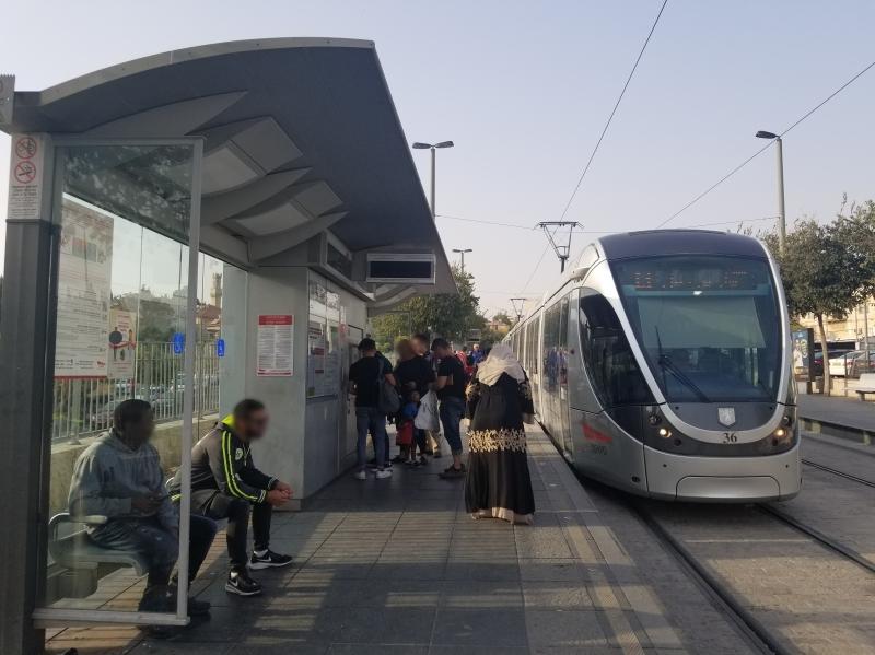 イスラエル旅行・エルサレムのダマスカス門の駅