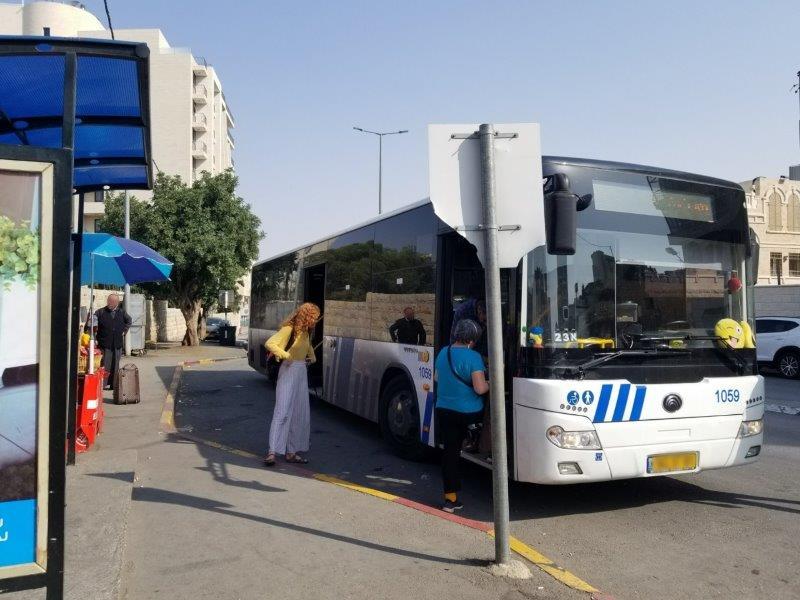 エルサレムからベツレヘムへ・アラブバスの停留所