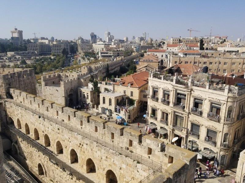 イスラエル旅行・城壁で囲まれたエルサレムの旧市街