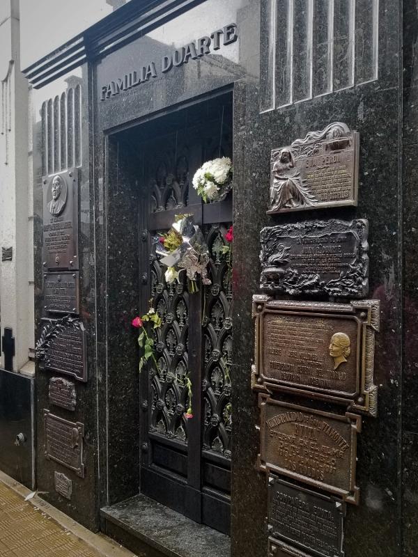 ブエノスアイレス・「エビータ(エバ・ペロン)」の墓