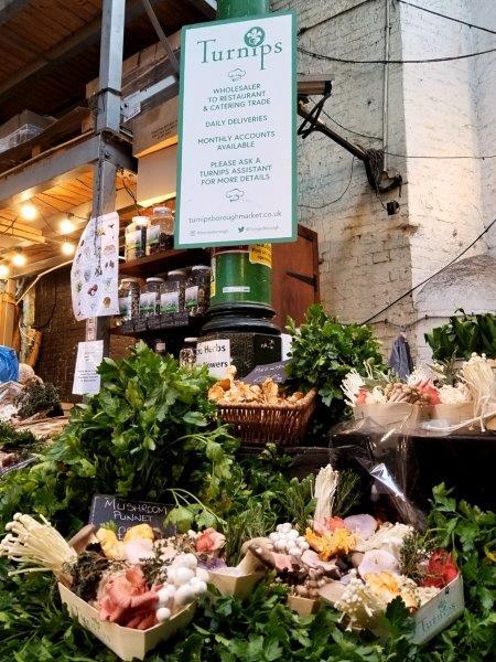 ロンドンの地元の市場「Borough Market (バラ・マーケット)」